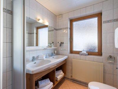 Badezimmer App. Typ 2 - Landhaus Casper ©Hannes Dabernig Fotografie
