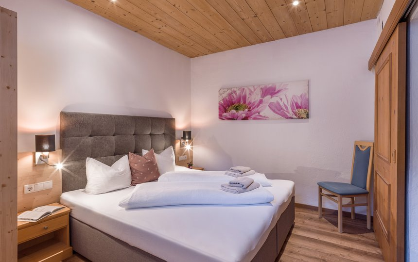 komfortables Schlafzimmer App. Typ 2 - Kalle's Appartements ©Hannes Darbernig Fotografie